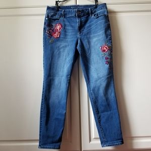 White House Black Market Sz 12 Jeans Embroidered